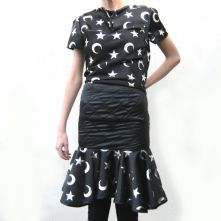 Satin quilted midi skirt with star print frill